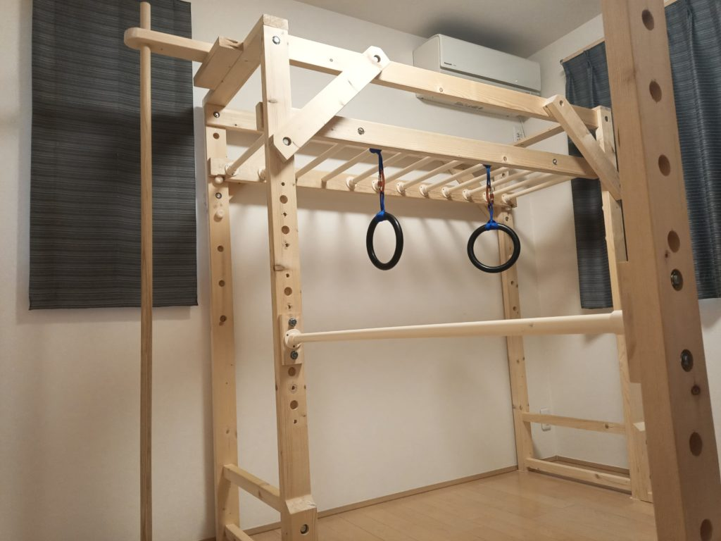 室内 うんてい 鉄棒 のぼり棒 吊り輪 自作 DIY 木工 イレクターパイプ