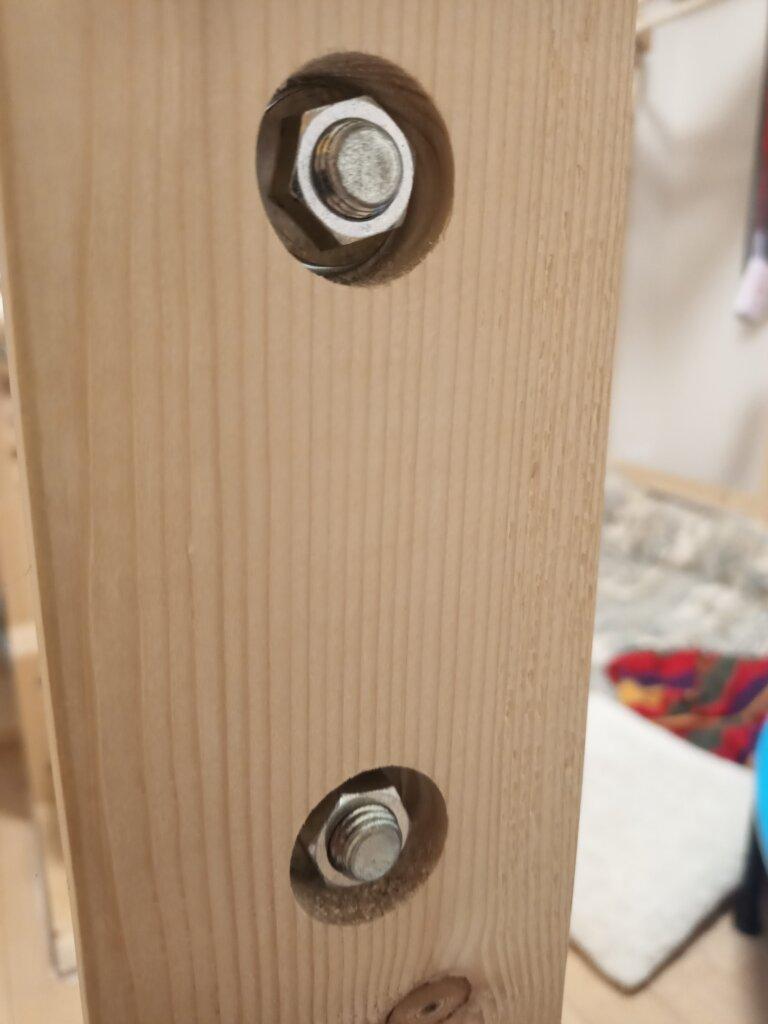 鉄棒のバーの固定