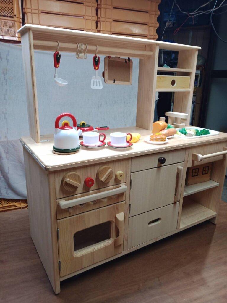 木工DIYで作ったままごとキッチン
