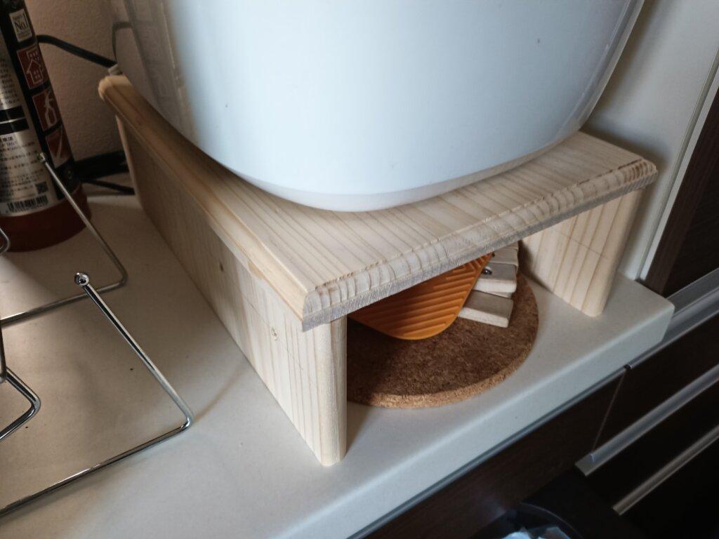 木工DIYで作った炊飯器ラック