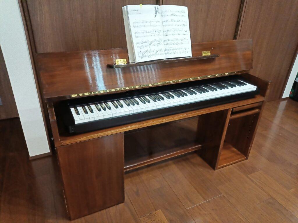 木工DIYで作った電子ピアノ台