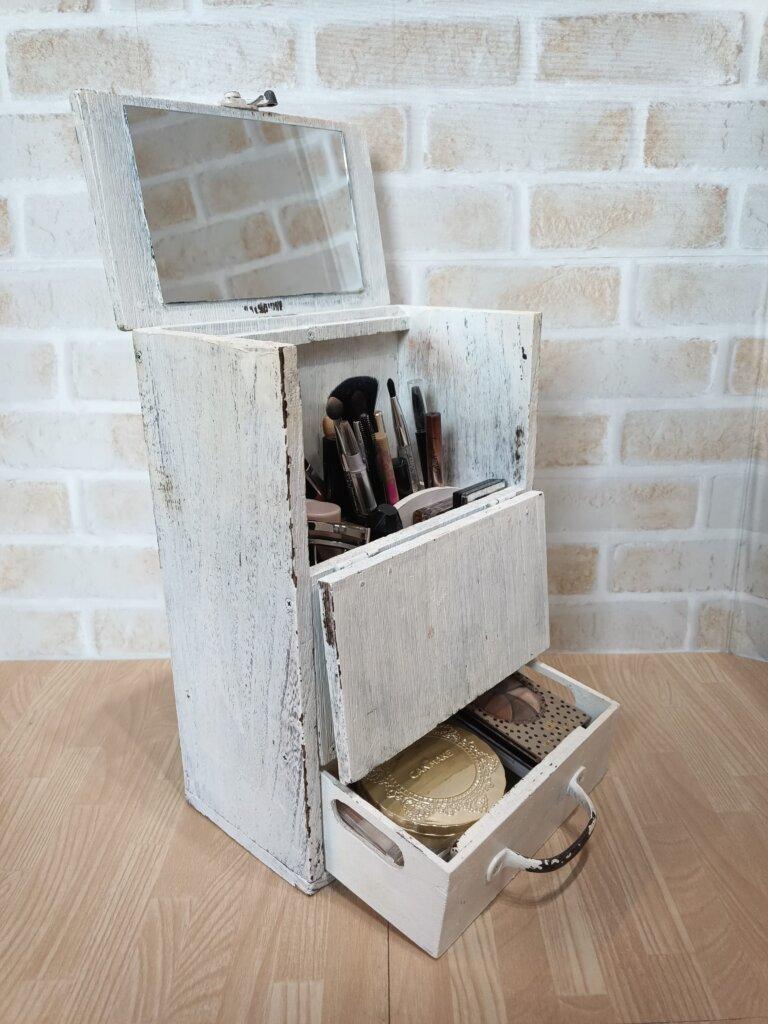 木工DIYで作ったメイクボックス